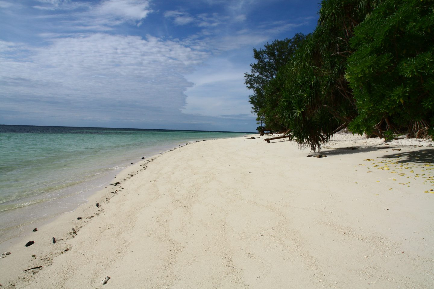 lankayan beach borneo family holiday