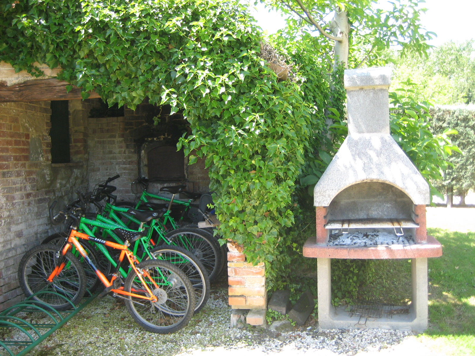 agriturismo Italy family holiday, farm holidays in Italy, bikes for rent