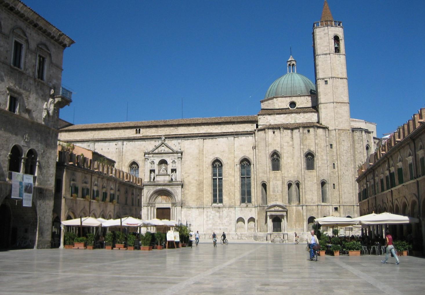 Piazza del Popolo, Ascoli Piceno, Le Marche Italy