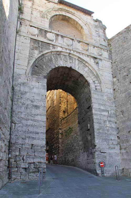 Umbria with kids Perugia Etruscan archway