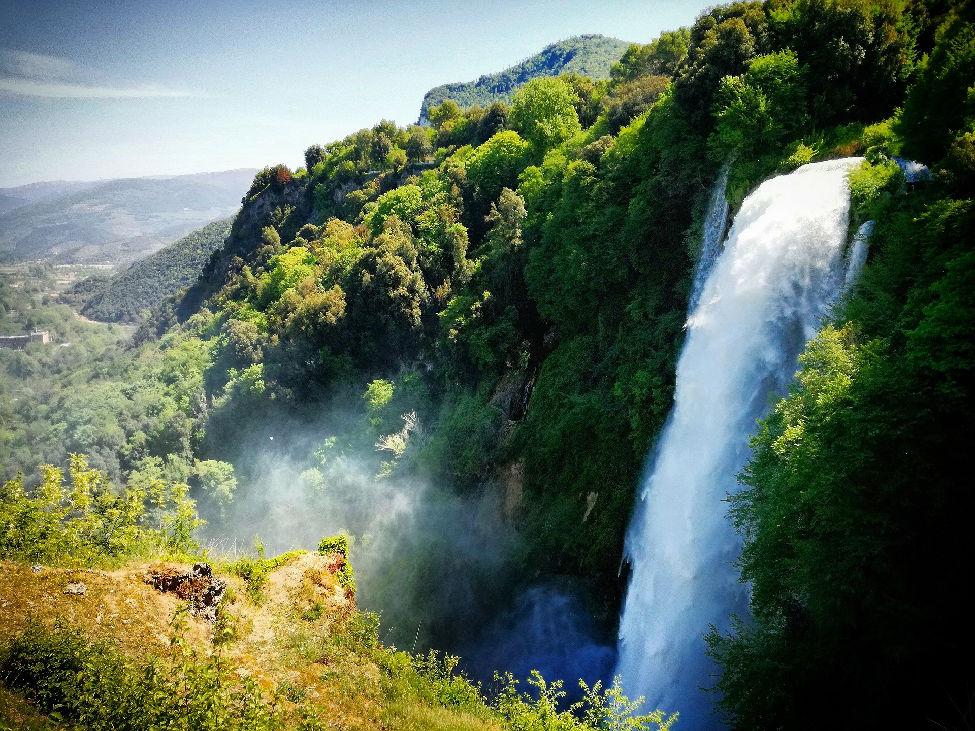 Umbria with kids landscape with Marmore waterfall