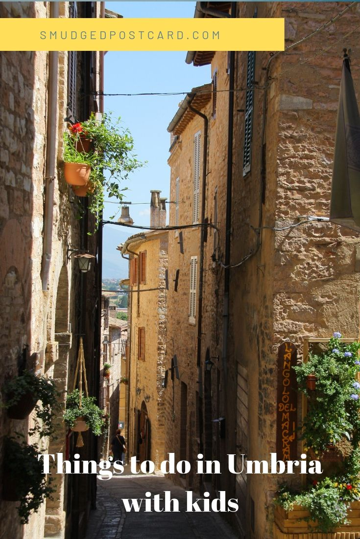 Umbria with kids: things to do in Umbria with children including Perugia, Assisi, Spoleto and Gubbio. Includes ideas for water parks and castles and where to stay in Umbria with kids