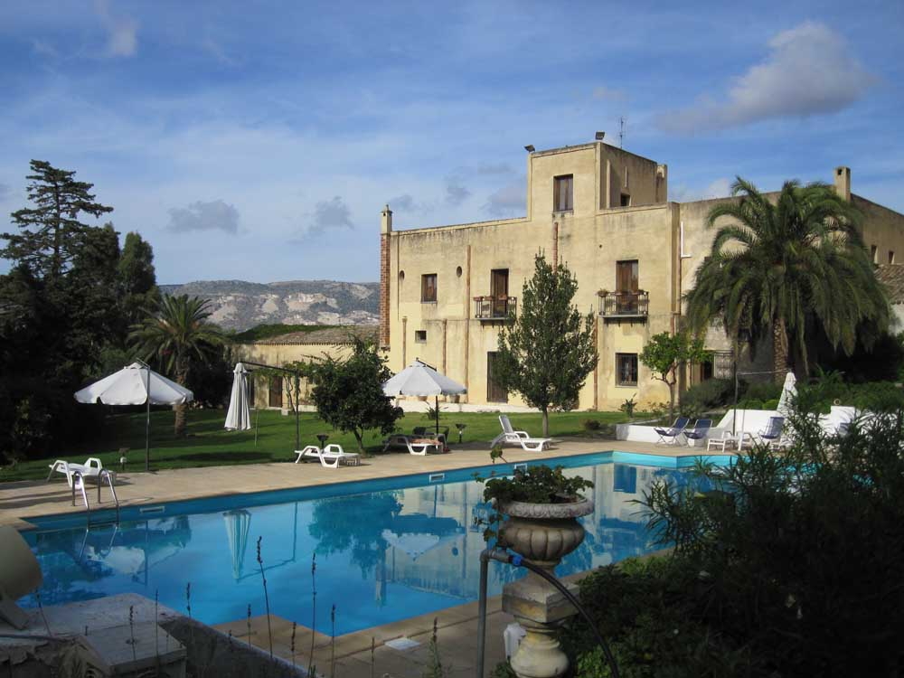 traditional baglio hotel with swimming pool, near trapani western sicily beaches
