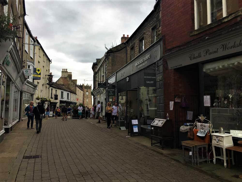 People shopping in Richmond, North Yorkshire