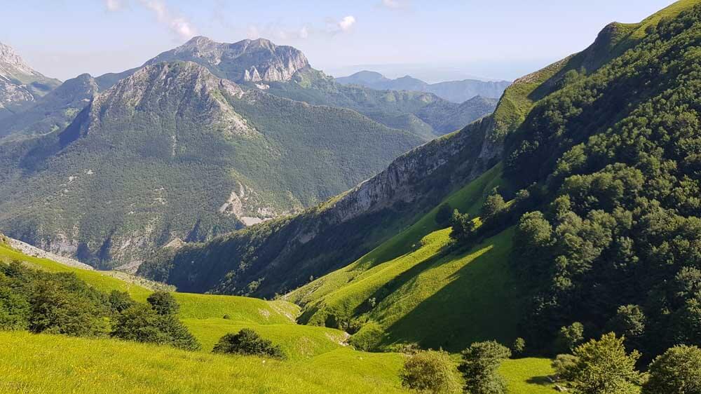 apuan alps tuscany italy, Italy driving holiday