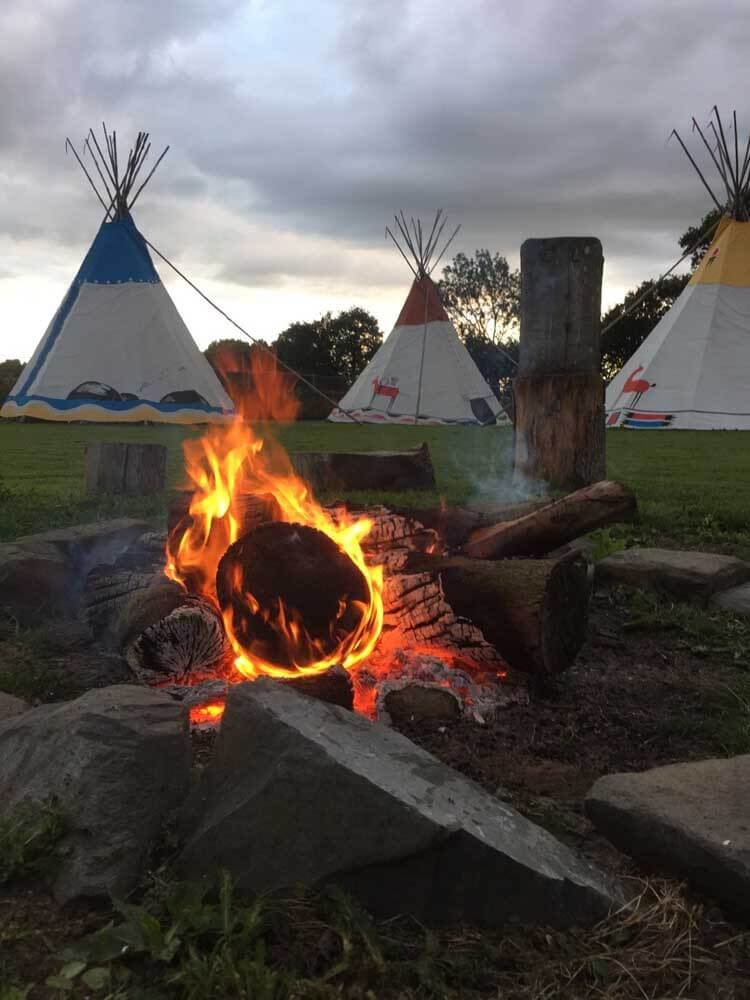 Campfire and glamping tipis in Hertfordshire