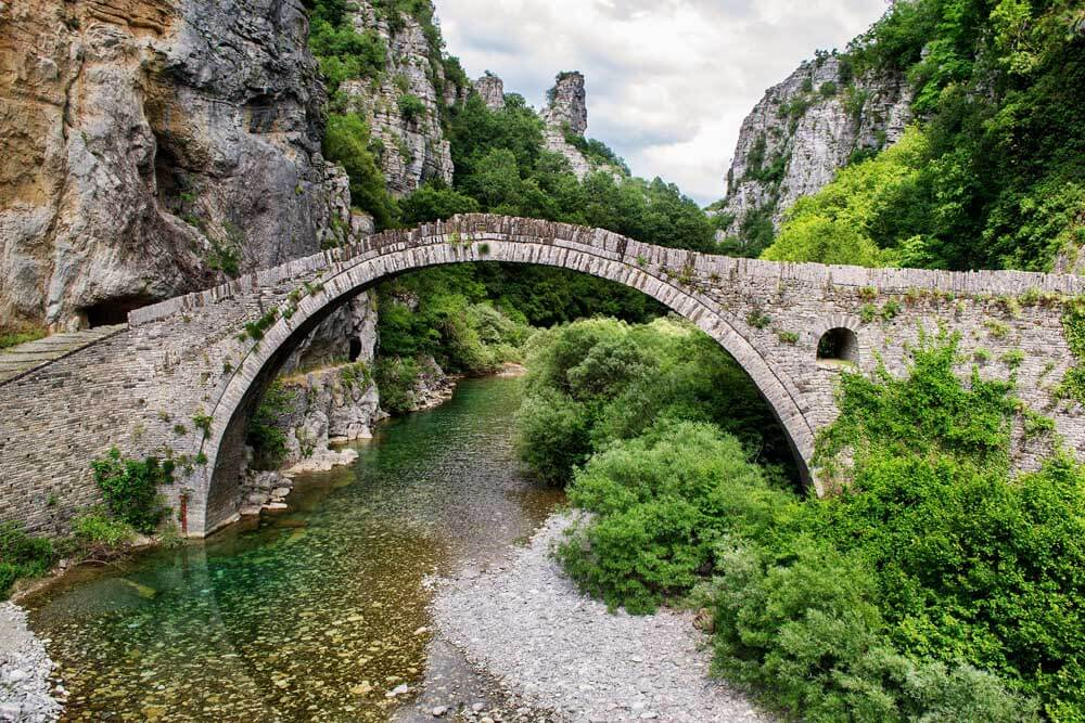 stone bridge in the Poloponnese