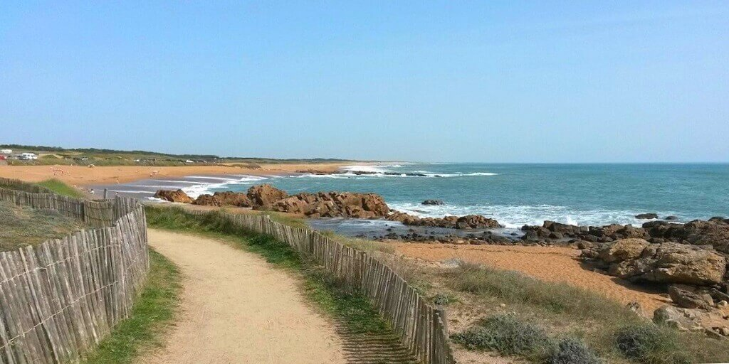 France for families: sandy beach in the Vendee region