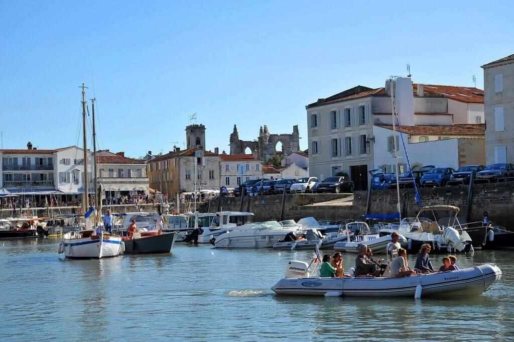 France for families: harbour town of St Martin de Re